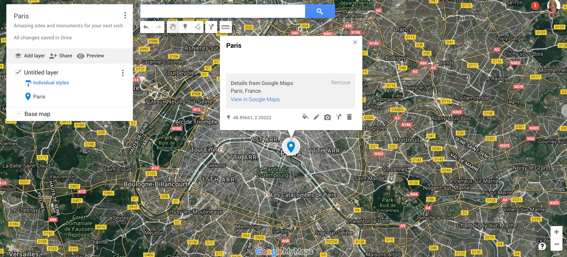 satellite map showing the center of Paris with guides and layers on the left.